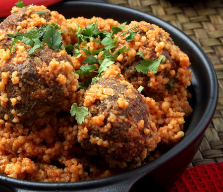 Middle-Eastern-Kebabs-with-Couscous_Melange